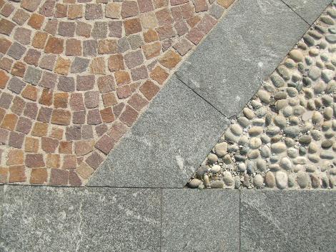 Dettaglio pavimentazione piazza Villa Borgia Usmate