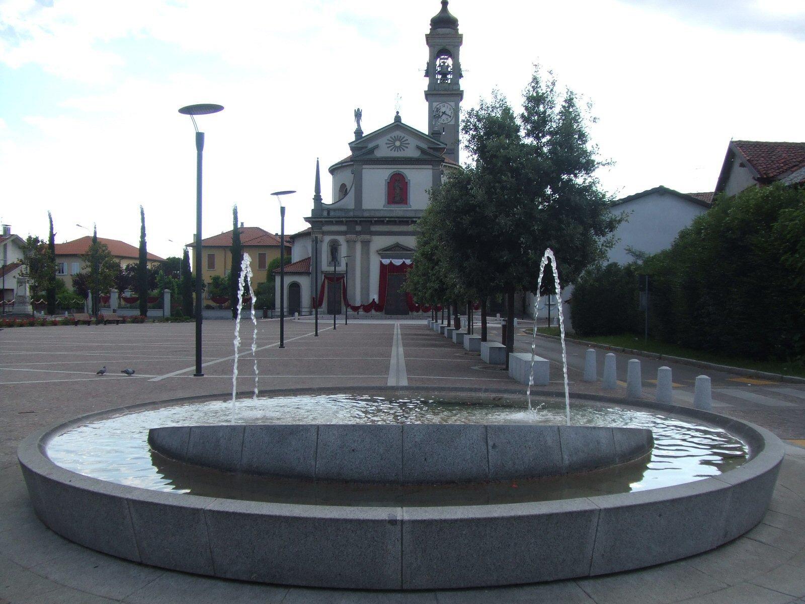 Fontana Piazza della Pace Caponago
